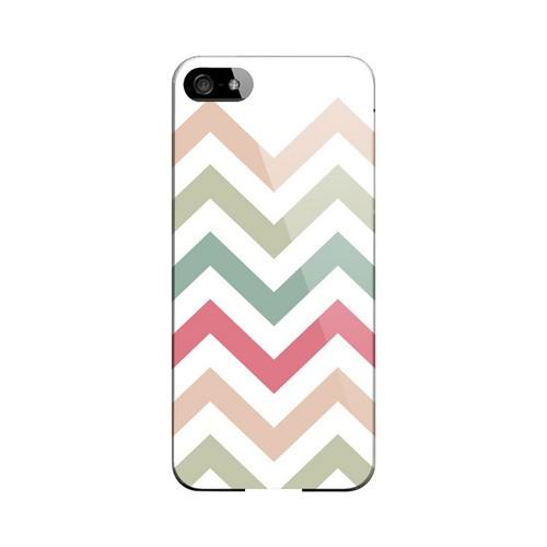 Green/ Red on White Geeks Designer Line Zig Zag Series Slim Hard Case for Apple iPhone 5/5S