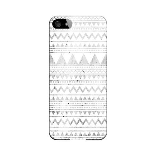 Grungy Triangles Geeks Designer Line Zig Zag Series Slim Hard Case for Apple iPhone 5/5S