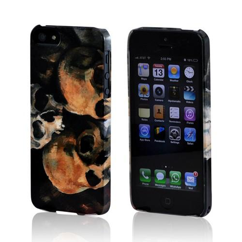Geeks Designer Line (GDL) Apple iPhone 5/5S Paul Cezanne Slim Hard Back Cover - Pyramid of Skulls